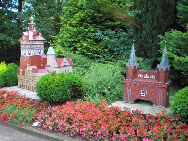 Mini-Born-Park Owschlag - Außenanlage in Spur IIm mit berühmten Gebäuden in 1:25 20060773