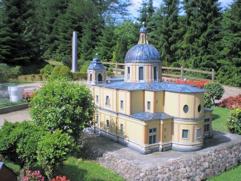 Mini-Born-Park Owschlag - Außenanlage in Spur IIm mit berühmten Gebäuden in 1:25 20060777