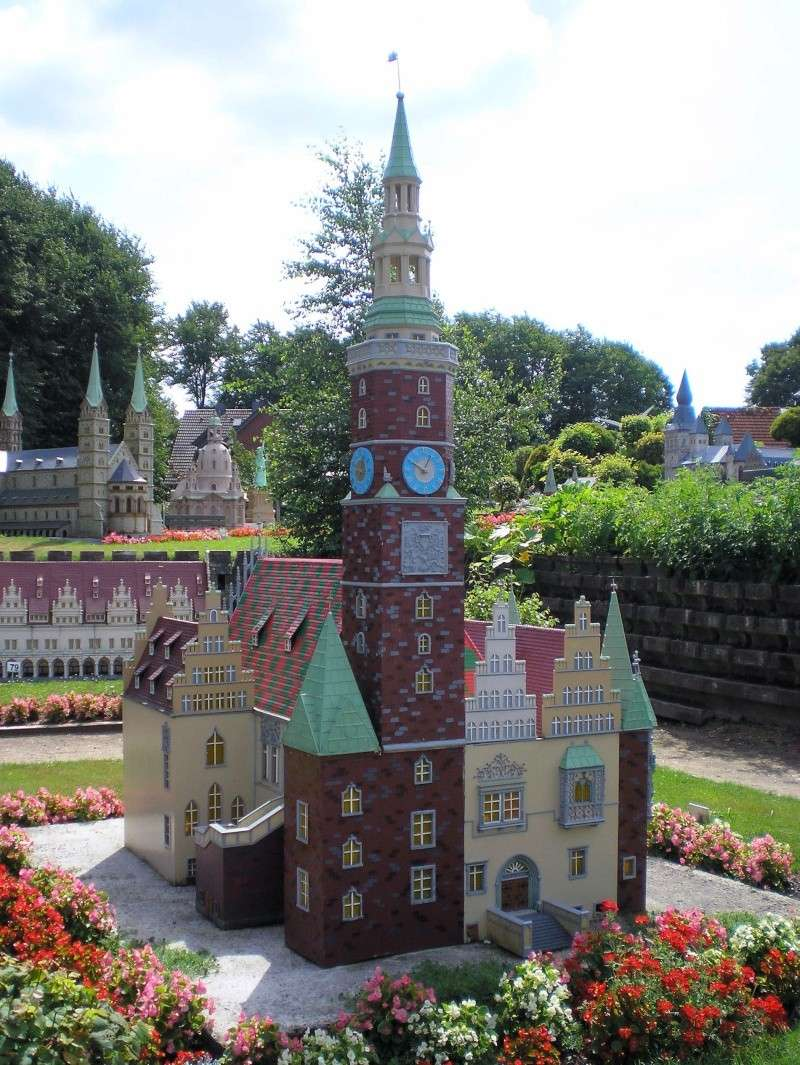Mini-Born-Park Owschlag - Außenanlage in Spur IIm mit berühmten Gebäuden in 1:25 20060787