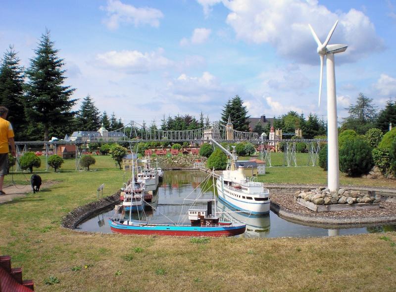 Mini-Born-Park Owschlag - Außenanlage in Spur IIm mit berühmten Gebäuden in 1:25 20060799