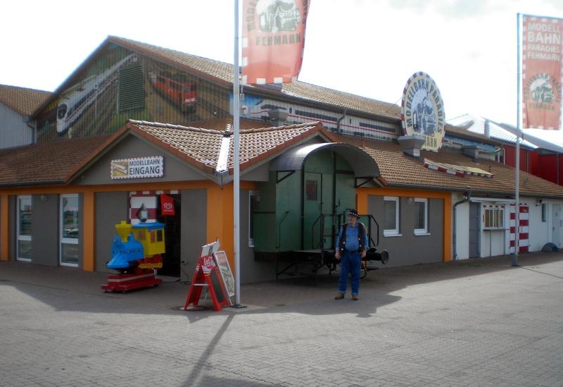 Modellbahn-Paradies Fehmarn - Innenanlagen in Spur N, H0 und IIm 20110810