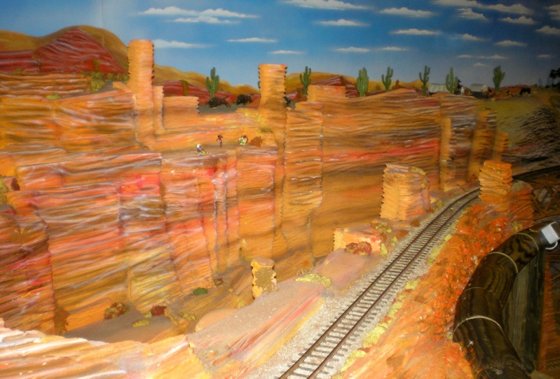 Modellbahn-Paradies Fehmarn - Innenanlagen in Spur N, H0 und IIm 20110857