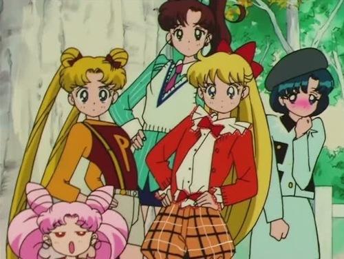 Differences between Usagi's and Minako's blonde hair Captio28