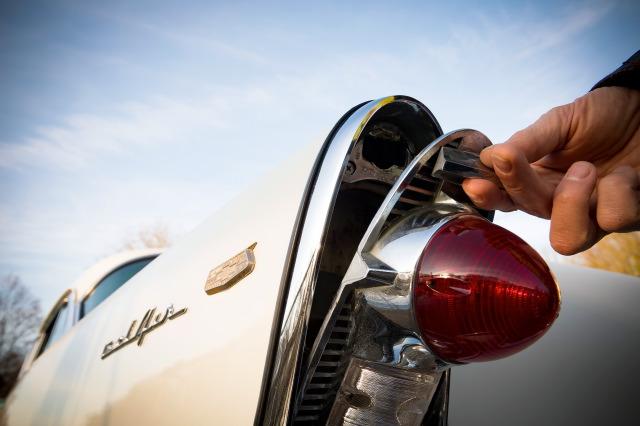 Merci de m'accueillir ! - Présentation Corvette 57 et Bel Air 56 !  19121828