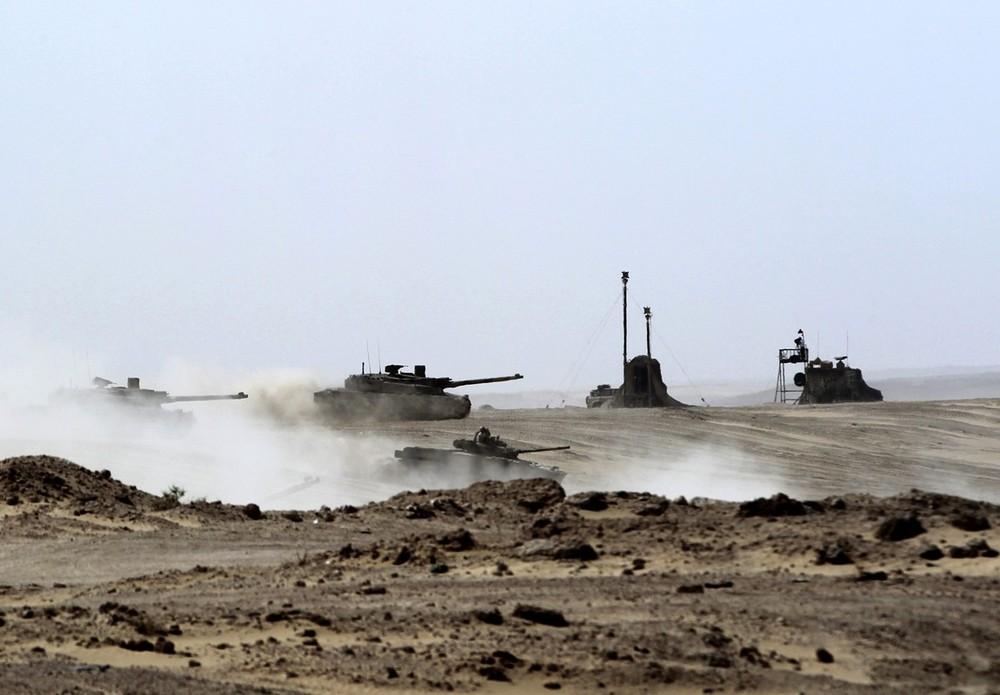 Armée Emirati/Union Defence Force (UAE) - Page 19 N3nqis17