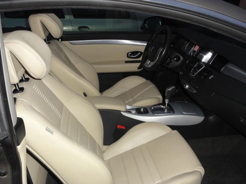 [st82600] Laguna III coupé V6 dci initiale 4control Dsc01012