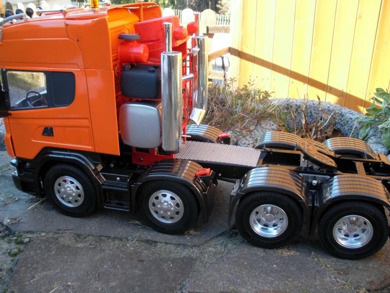 Scania Schwerlastzugmaschiene 8x4 Rimg1015