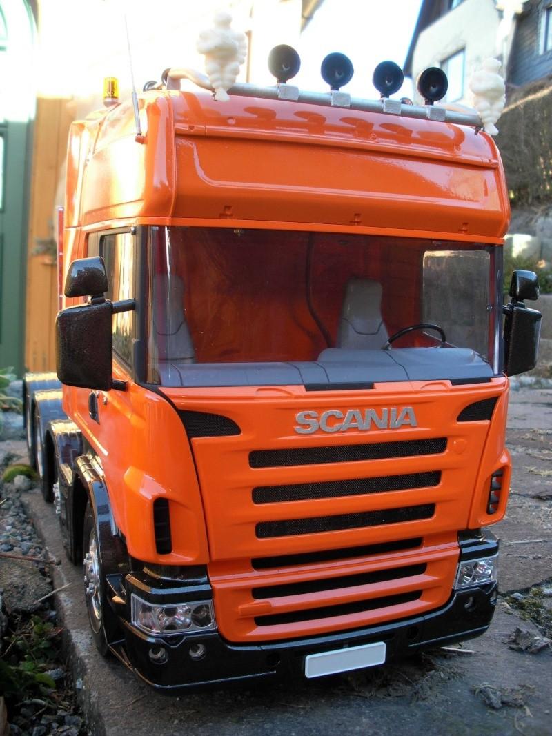 Scania Schwerlastzugmaschiene 8x4 Rimg1016