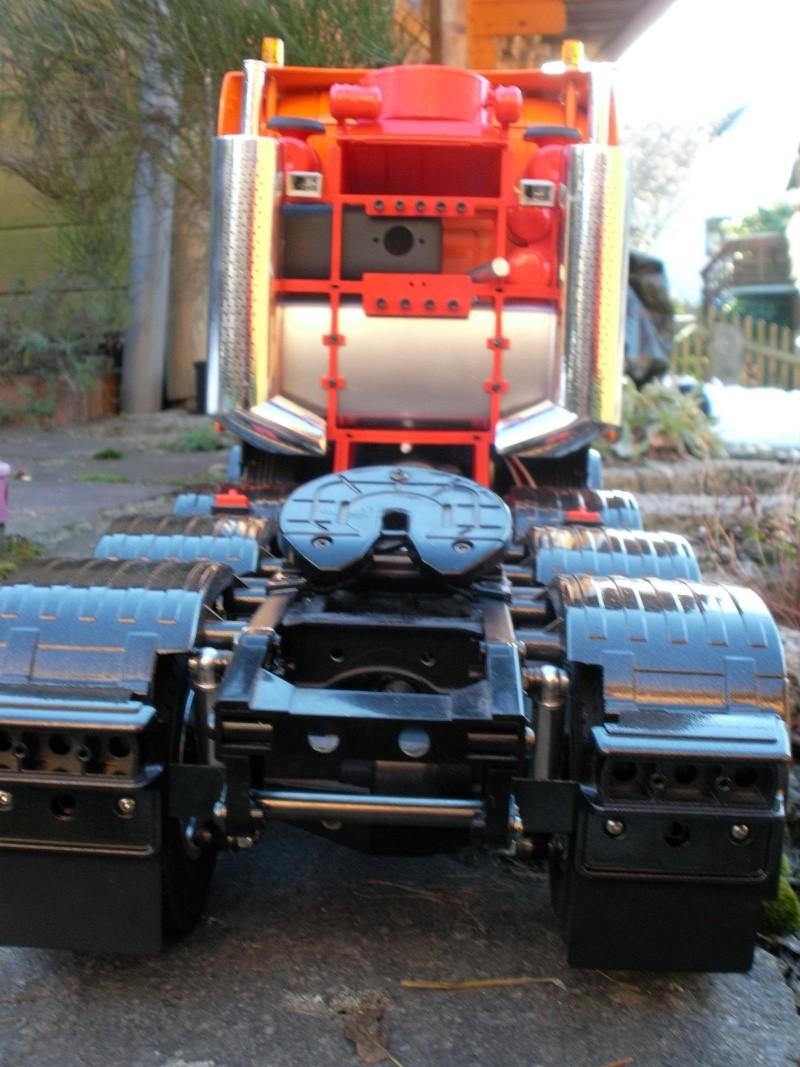 Scania Schwerlastzugmaschiene 8x4 Rimg1018