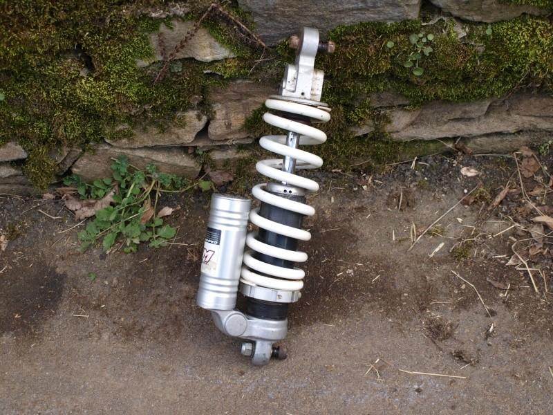 Vend pièces moto husaberg 501 Fe (fourche, roues, amorti...) P3053924