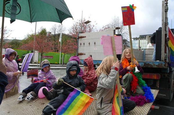 В Норвегии прошел детский гей-парад 106810