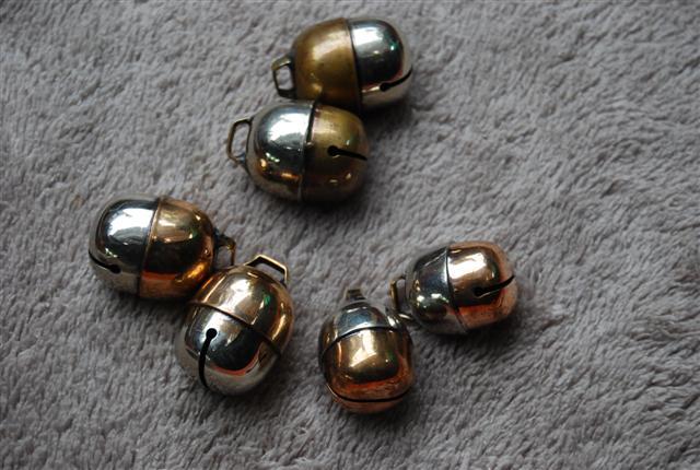 Falconry bells ถูก Dsc_0016