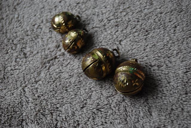 Falconry bells ถูก Dsc_0017