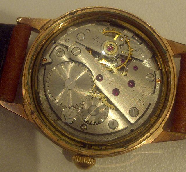 Jaeger -  [Le TOPIC des demandes d'IDENTIFICATION et RENSEIGNEMENTS de montres est ICI] - Page 39 Surtec12
