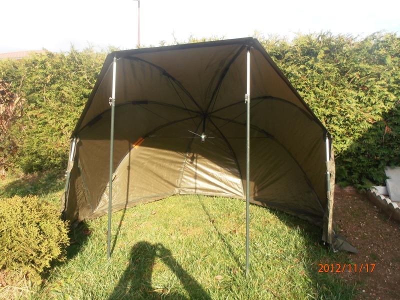 parapluie tente tnt Pb170010