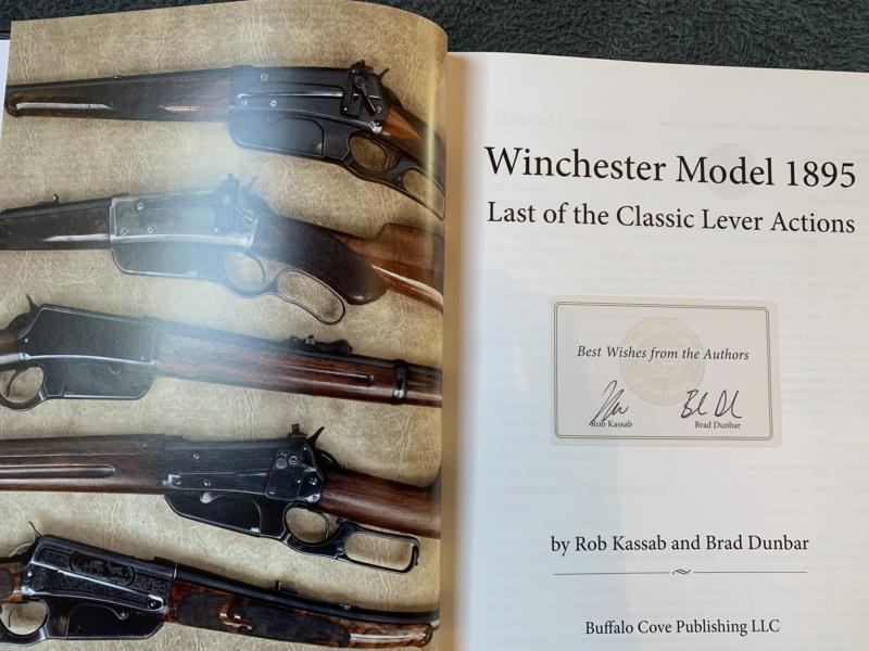 Nouveau livre dédié à la WINchester 1895 (Winchester Model 1895 - Rob Kassab & Brad Dunbar) 20191227