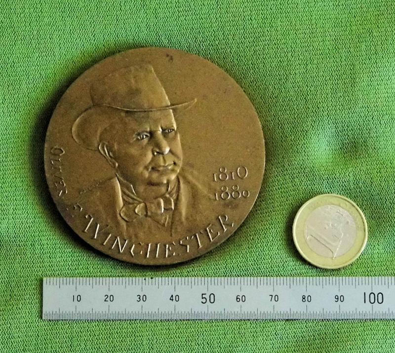 Médaille centennaire de la mort de Oliver Winchester Mzodai11
