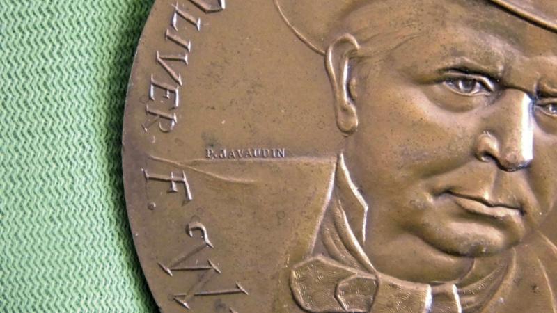 Médaille centennaire de la mort de Oliver Winchester Mzodai15