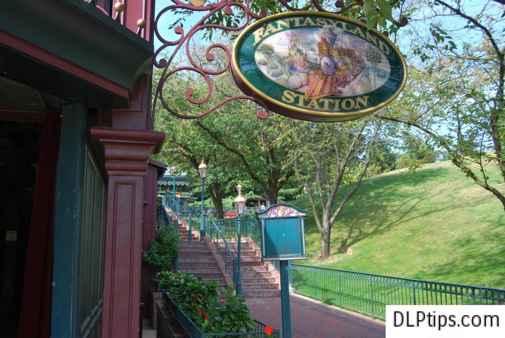 Connaissez vous bien Disneyland Paris? - Page 18 Merlin11