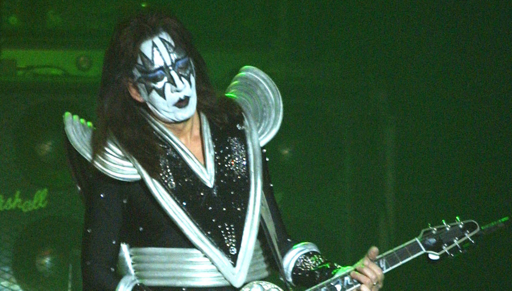 Ace Frehley News ! - Page 6 5be48a10