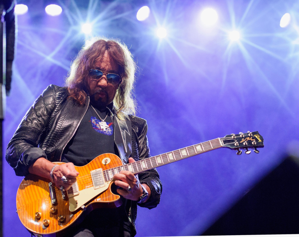 Ace Frehley News ! - Page 16 5d88fc10
