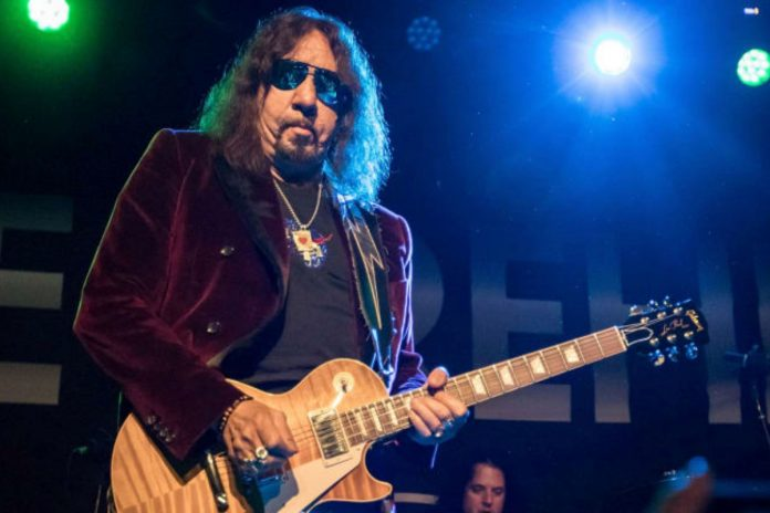 Frehley's comet - Page 2 Ace-fr24