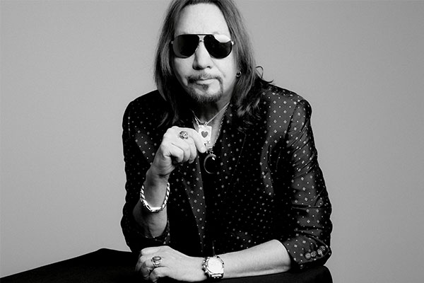 Ace Frehley News ! - Page 37 Ace_fr10