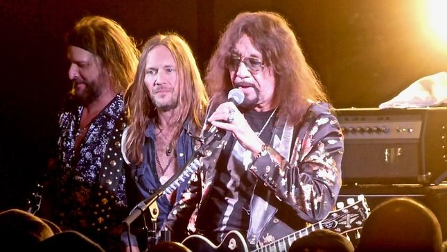 Ace Frehley News ! - Page 8 Ace_fr11