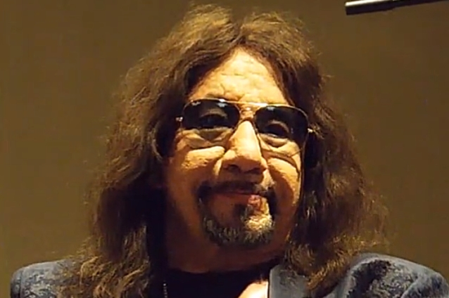 Ace Frehley News ! - Page 9 Acefre20