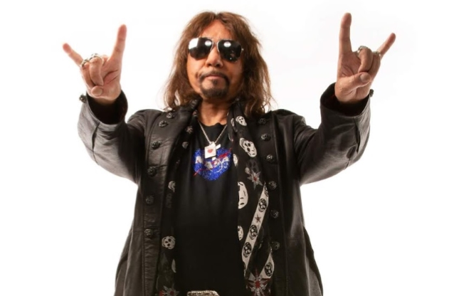 Ace Frehley News ! - Page 12 Acefre26