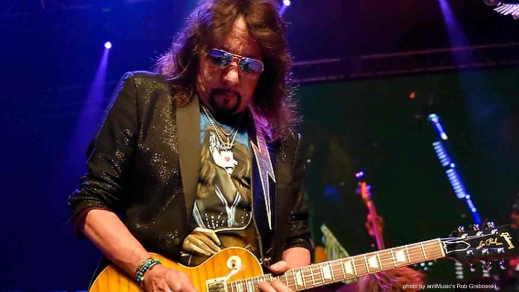 Ace Frehley News ! - Page 16 Kiss10