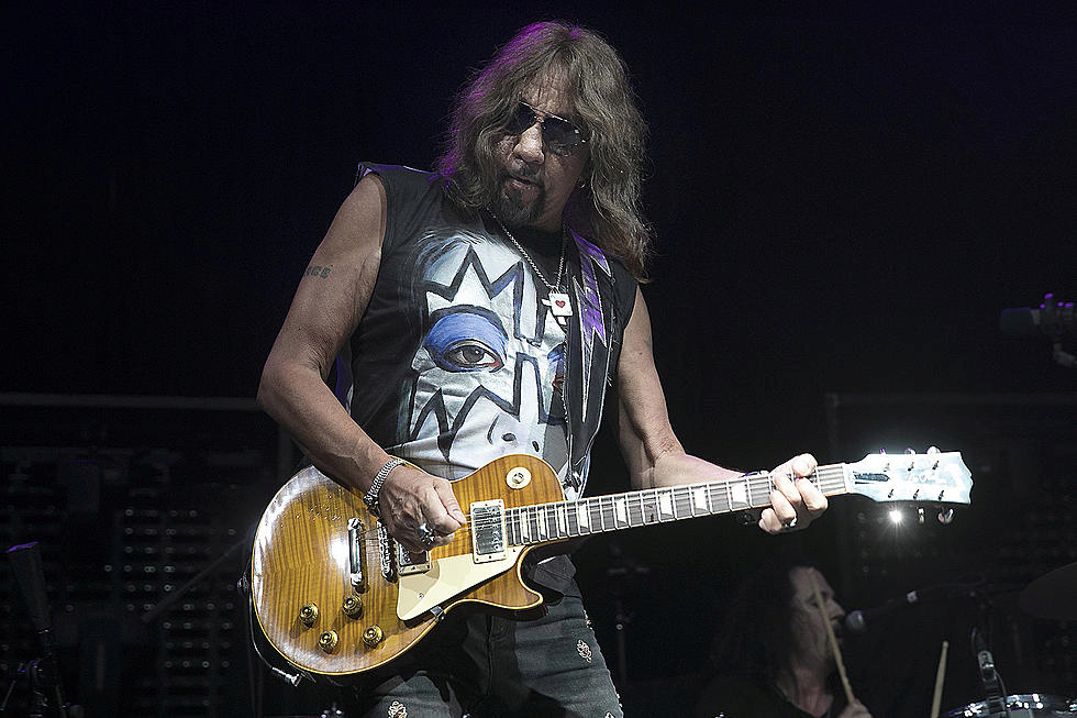 Ace Frehley News ! - Page 11 Sans-t10