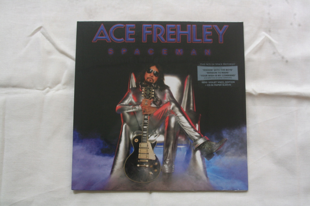 Ace Frehley News ! - Page 5 Spacem11