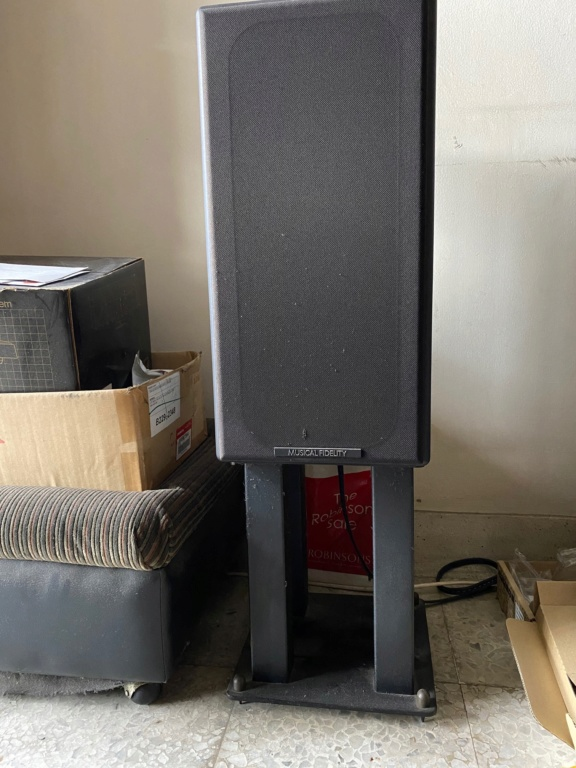 Musical Fidelity MF40 Loudspeaker  Mf_use10