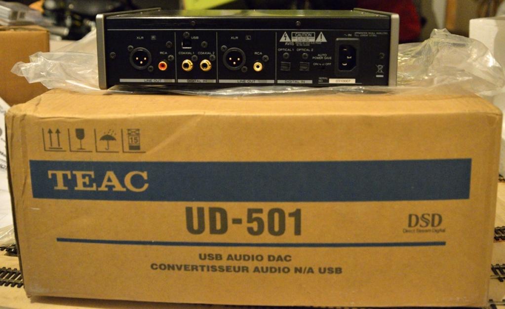 (FG) TEAC UD-501 DAC e amplificatore cuffie [VENDUTO] Teac_u10