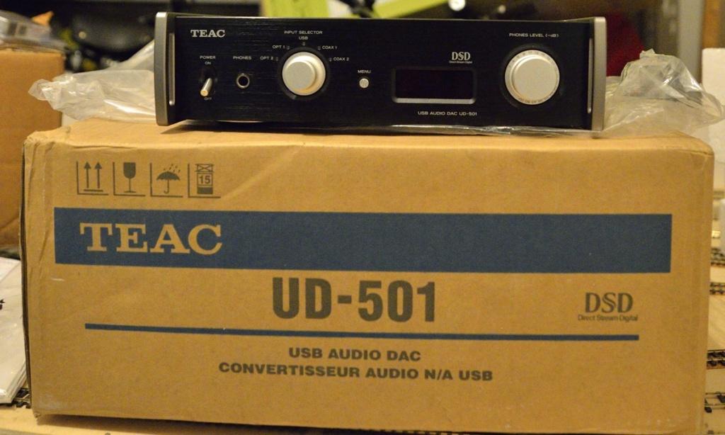 (FG) TEAC UD-501 DAC e amplificatore cuffie [VENDUTO] Teac_u11
