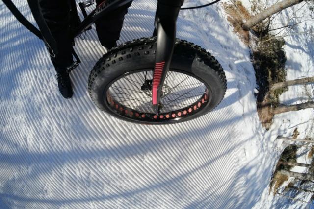 L'ETRTO des neiges. (Chronique du fat/flat bike) Dscf2410