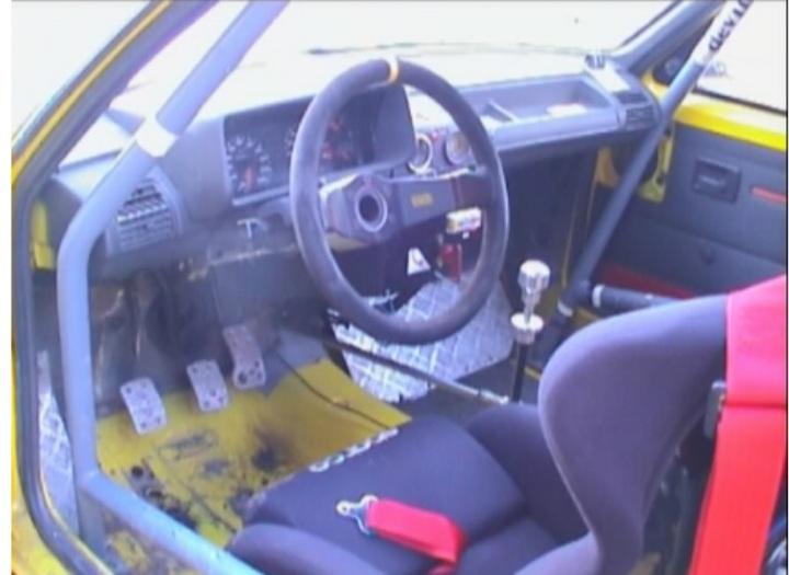 Restauration d'une ancienne 205 GTI grA pour le VHC 20200717