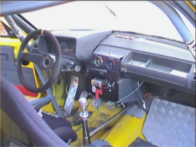 Restauration d'une ancienne 205 GTI grA pour le VHC 20200720