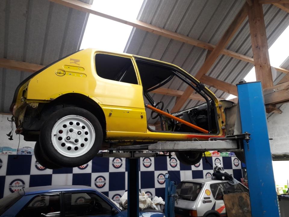 Restauration d'une ancienne 205 GTI grA pour le VHC Resize22