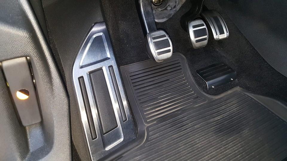 Protector acero pedal acelerador 43364710