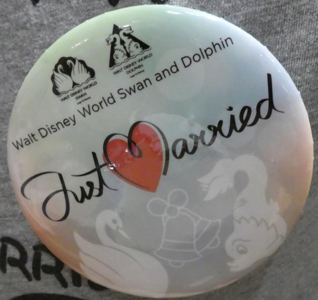 WDW- Séjour au Swan en couple - Août 2019 Badge_12