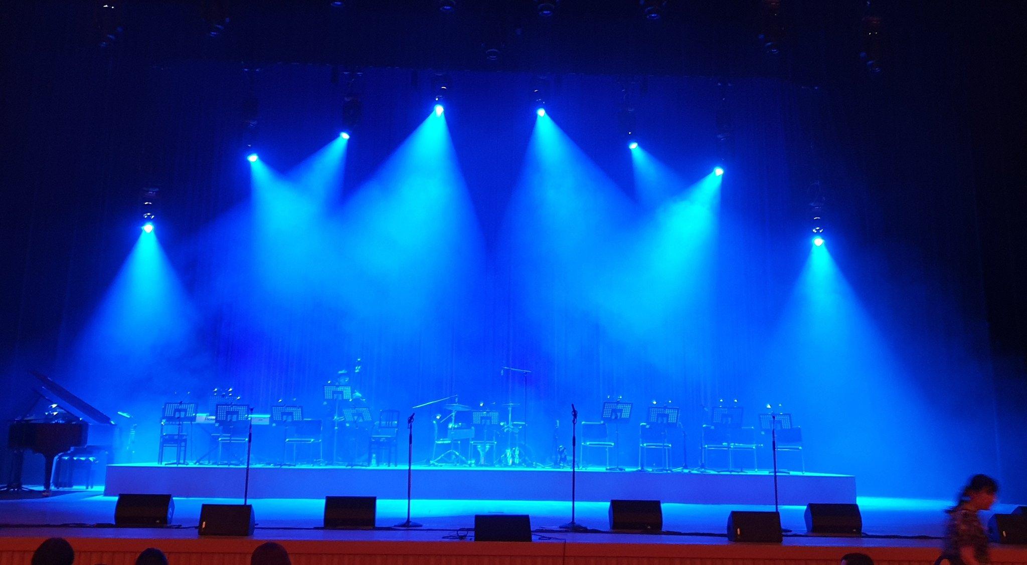 Les concerts et sorties (prestations live de Libera) [2000 → présent] - Page 5 Ehtyxl10