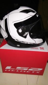 Vendo casco ls2 lunar nuevo en caja $4000 20181013