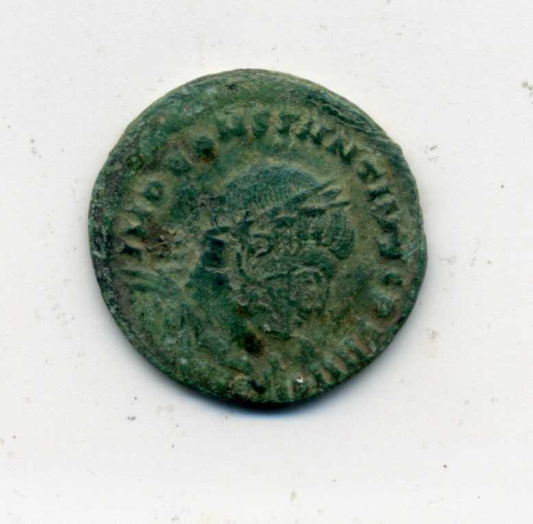 Nummus de Constantino I. SOLI INVICTO COMITI. Roma Anv_co10