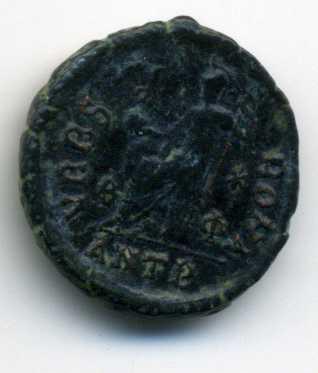 AE3 de Valentiniano II. VRBS ROMA. Antioquía Rev_va22
