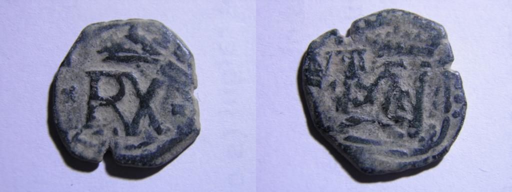 VIII maravedís de Felipe III o IV resellados. P2160813