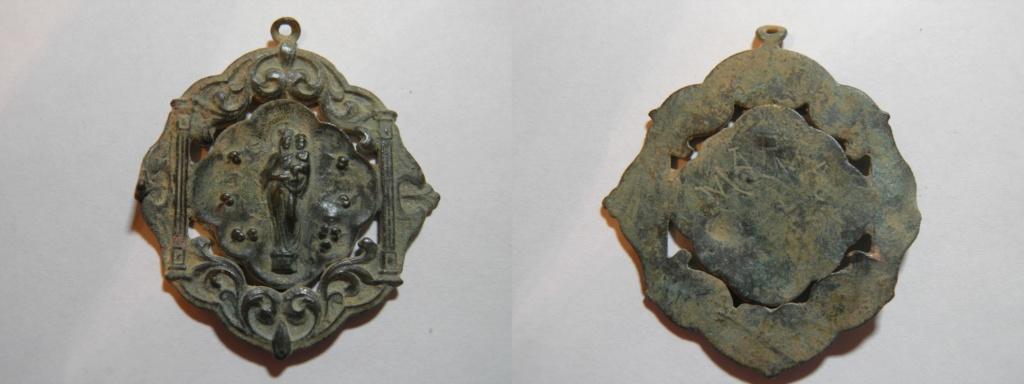 Medalla unifaz Ntra. Sra. del Pilar , s. XX P4170610