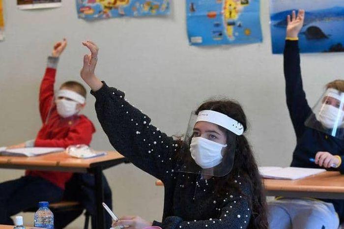 موجة كورونا الرابعة.. أستاذ الكبد بجامعة المنوفية: 80% من الأطفال لا تظهر عليهم الأعراض  0210