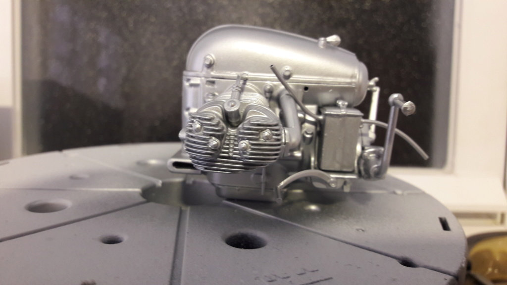 ZUNDAPP KS-750 SIN SIDECAR WWII - ESCI ESCALA 1/9 Z0510